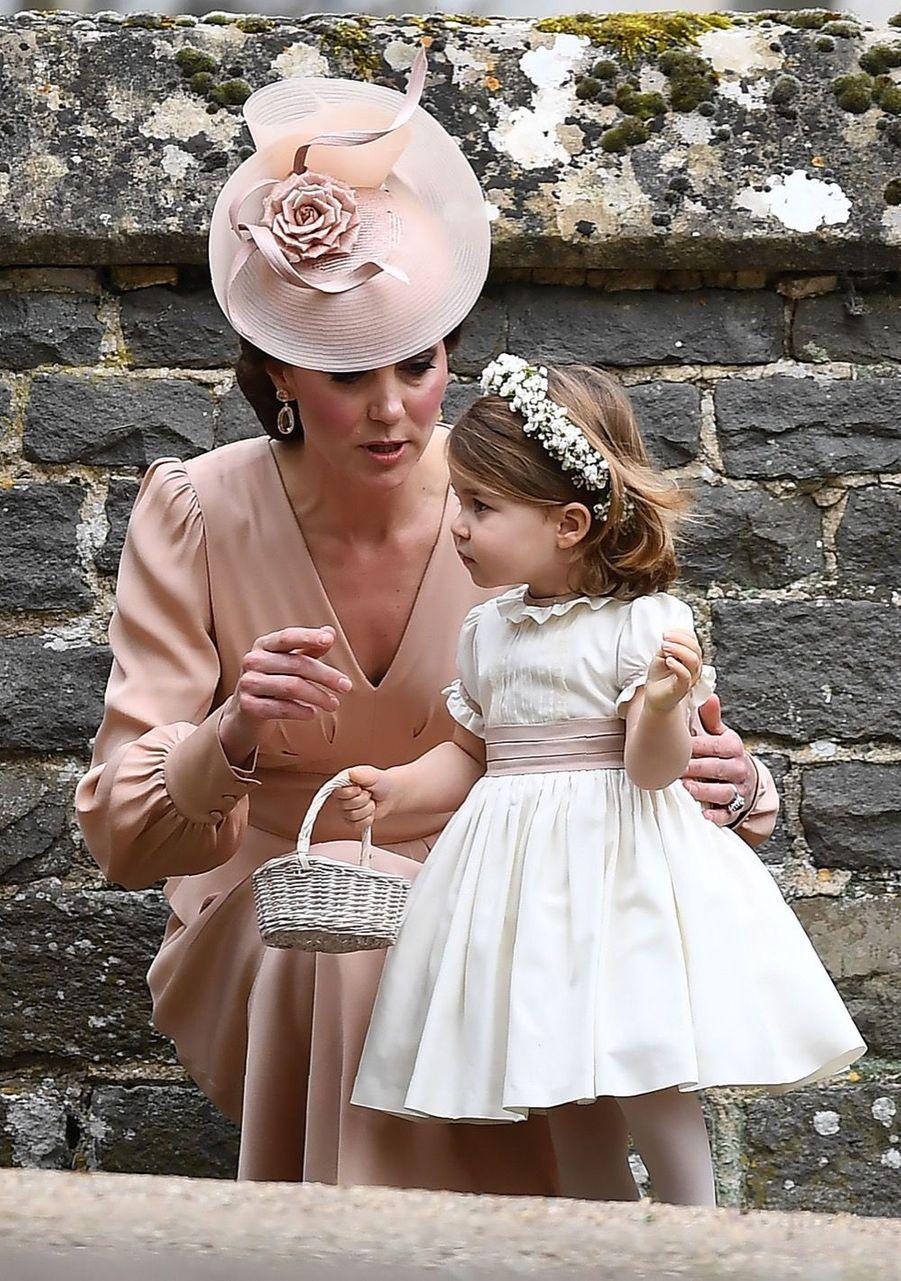 Le Prince George Et La Princesse Charlotte Au Mariage De Leur Tante Pippa Middleton 3