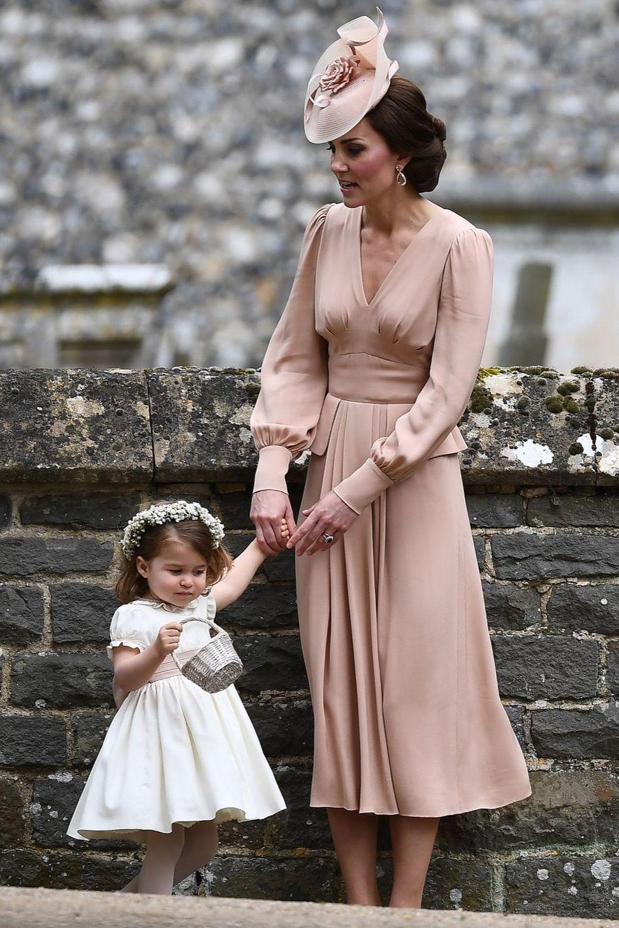 Le Prince George Et La Princesse Charlotte Au Mariage De Leur Tante Pippa Middleton 4