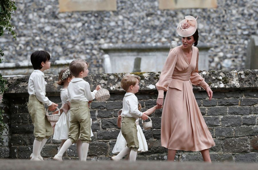 Le Prince George Et La Princesse Charlotte Au Mariage De Leur Tante Pippa Middleton 6