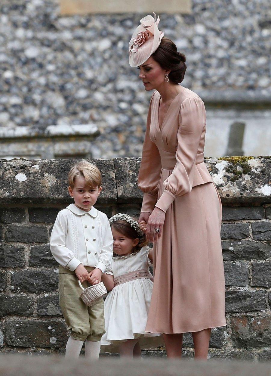Le Prince George Et La Princesse Charlotte Au Mariage De Leur Tante Pippa Middleton 7