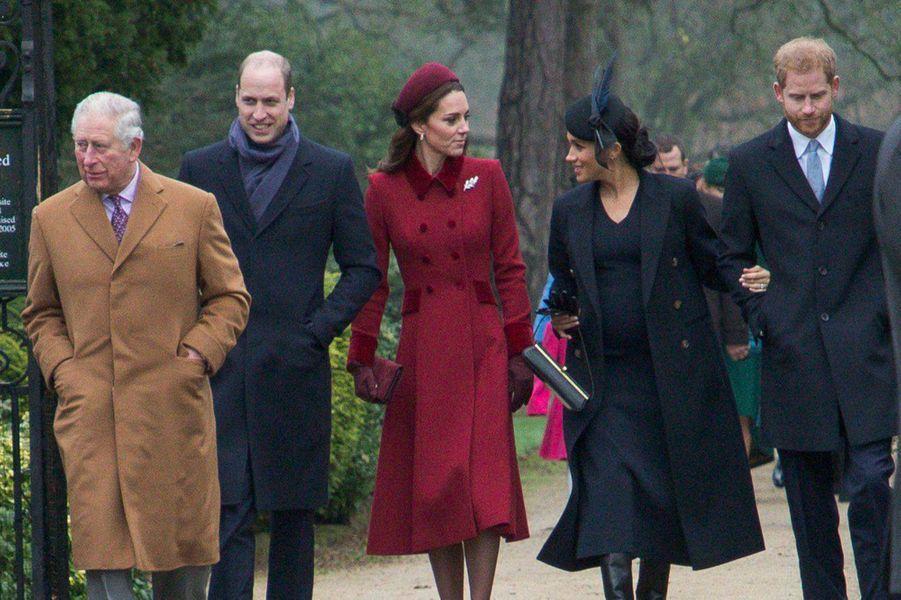 Le prince Charles, William, Kate, Meghan et Harry à Sandringham le 25 décembre 2018