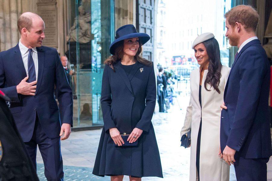 William, Kate, Meghan et Harry lors de la Journée du Commonwealth à l'abbaye de Westminster le 12 mars 2018