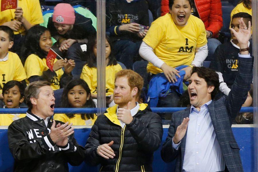 Le prince Harry avec Justin Trudeau à Toronto, le 2 mai 2016
