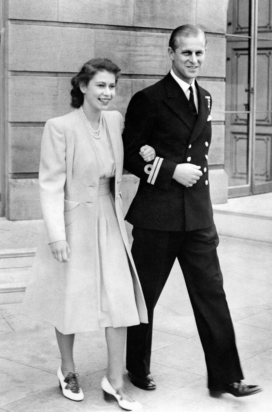 La princesse Elizabeth et son fiancé le prince Philip en juillet 1947
