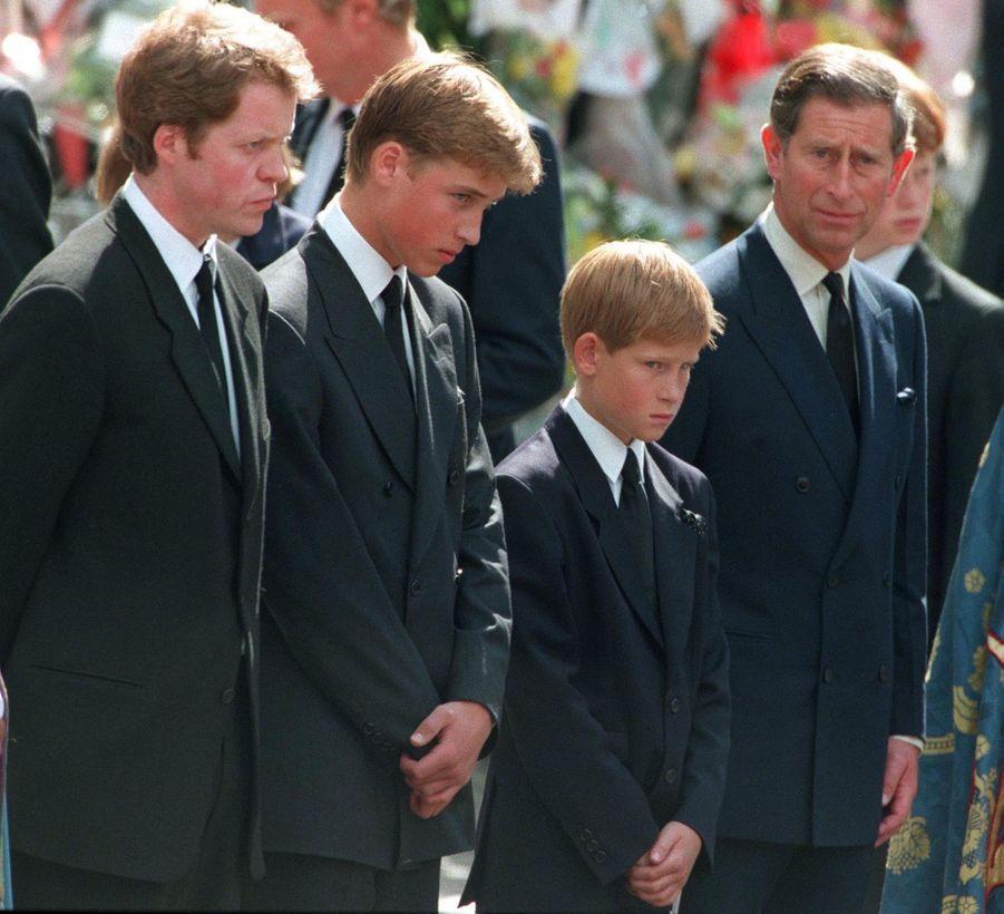 Charles Spencer, les princes William, Harry et Charles, aux funérailles de Diana, photographiés par Jayne Fincher, le 6 septembre 1997.
