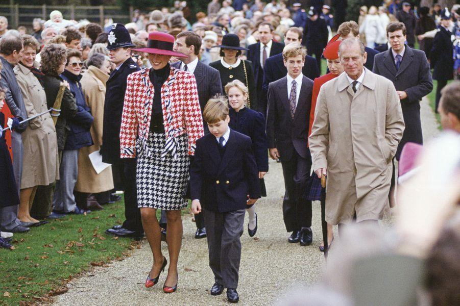 La princesse de Galles en Moschino à Sandringham, le 23 décembre 1990