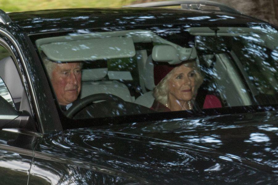 Le prince Charles et la duchesse de Cornouailles Camilla à Crathie Kirk le 20 août 2017
