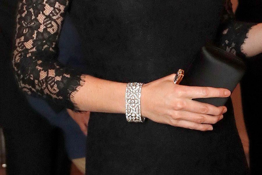 Le bracelet de la duchesse Catherine de Cambridge, à Londres le 7 novembre 2017