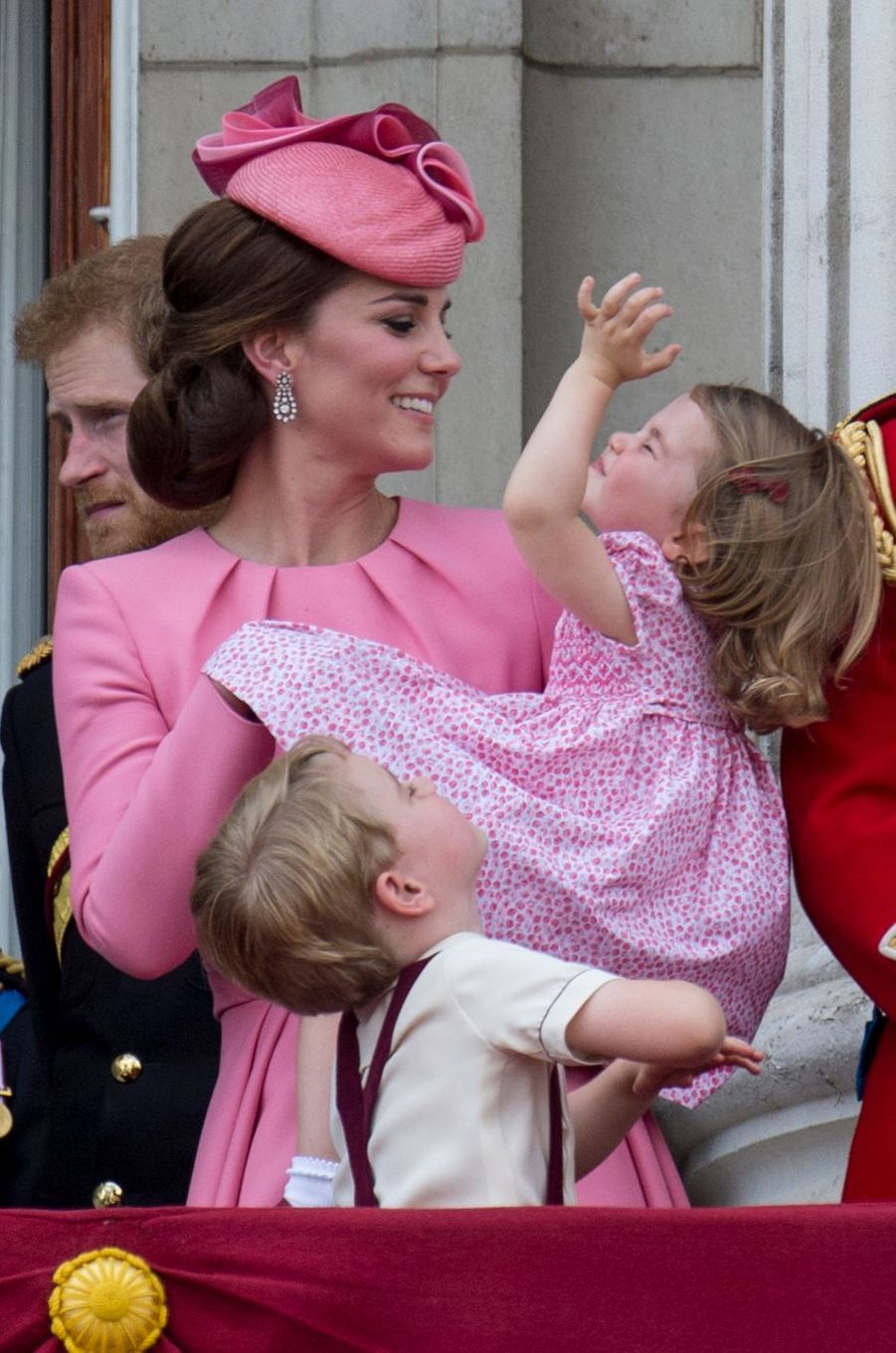 Kate Middleton avec sa fille la princesse Charlotte à Londres, le 17 juin 2017