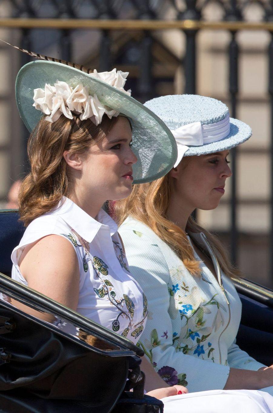 Les princesses Eugenie et Beatrice d'York à Londres, le 17 juin 2017