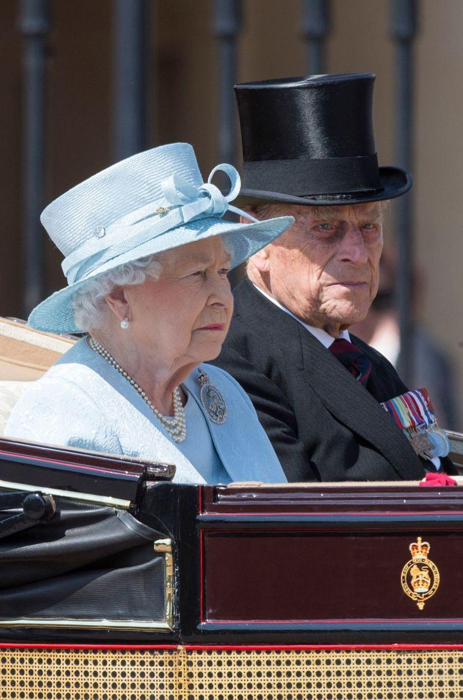 La reine Elizabeth II avec le prince Philip à Londres, le 17 juin 2017