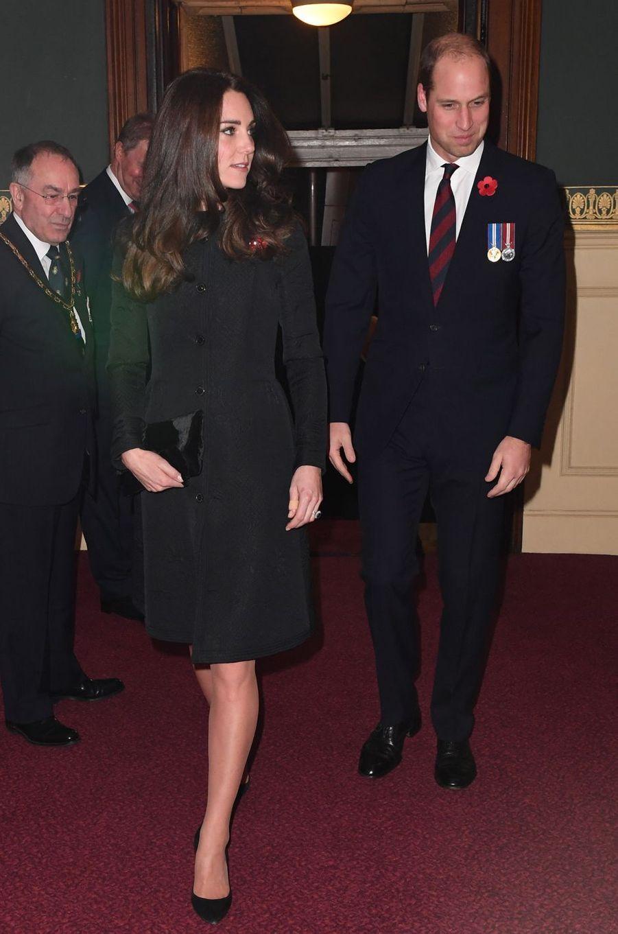 La duchesse de Cambridge, née Kate Middleton, et le prince William à Londres, le 12 novembre 2016