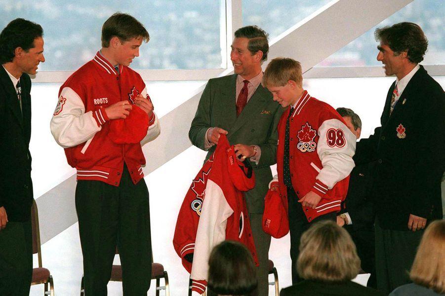 Le prince Charles et ses fils les princes William et Harry au Canada, le 24 mars 1998