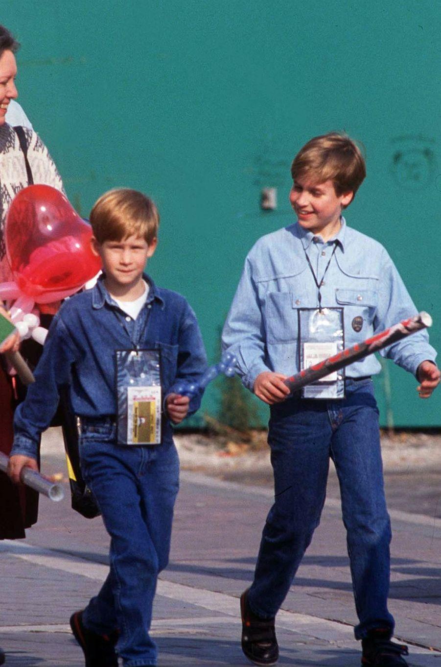 Les princes William et Harry au Canada, le 23 octobre 1991