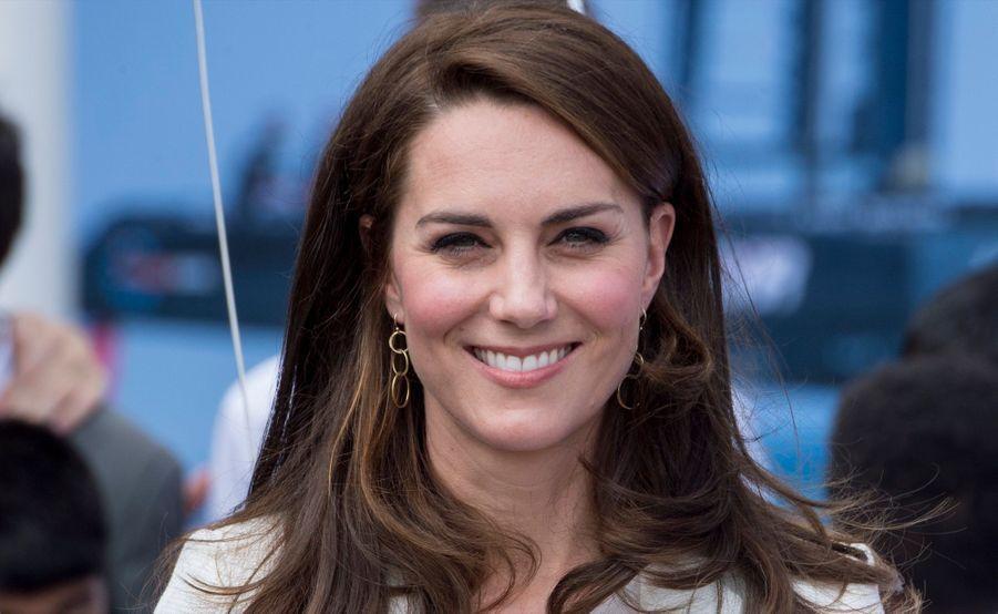 """Kate Middleton Avec Les Enfants Du """"1851 Trust"""", Vendredi 16 Juin À Londres 14"""