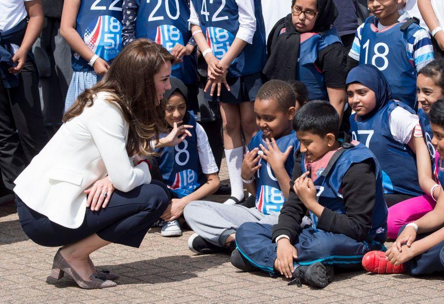 """Kate Middleton Avec Les Enfants Du """"1851 Trust"""", Vendredi 16 Juin À Londres 6"""