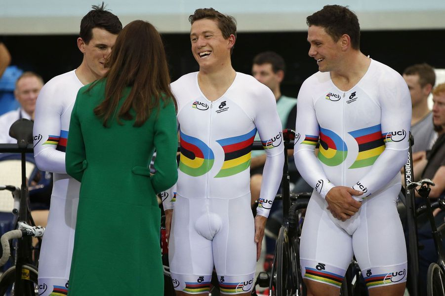 Kate est venue saluer les cyclistes de l'équipe nationale néo-zélandaise.