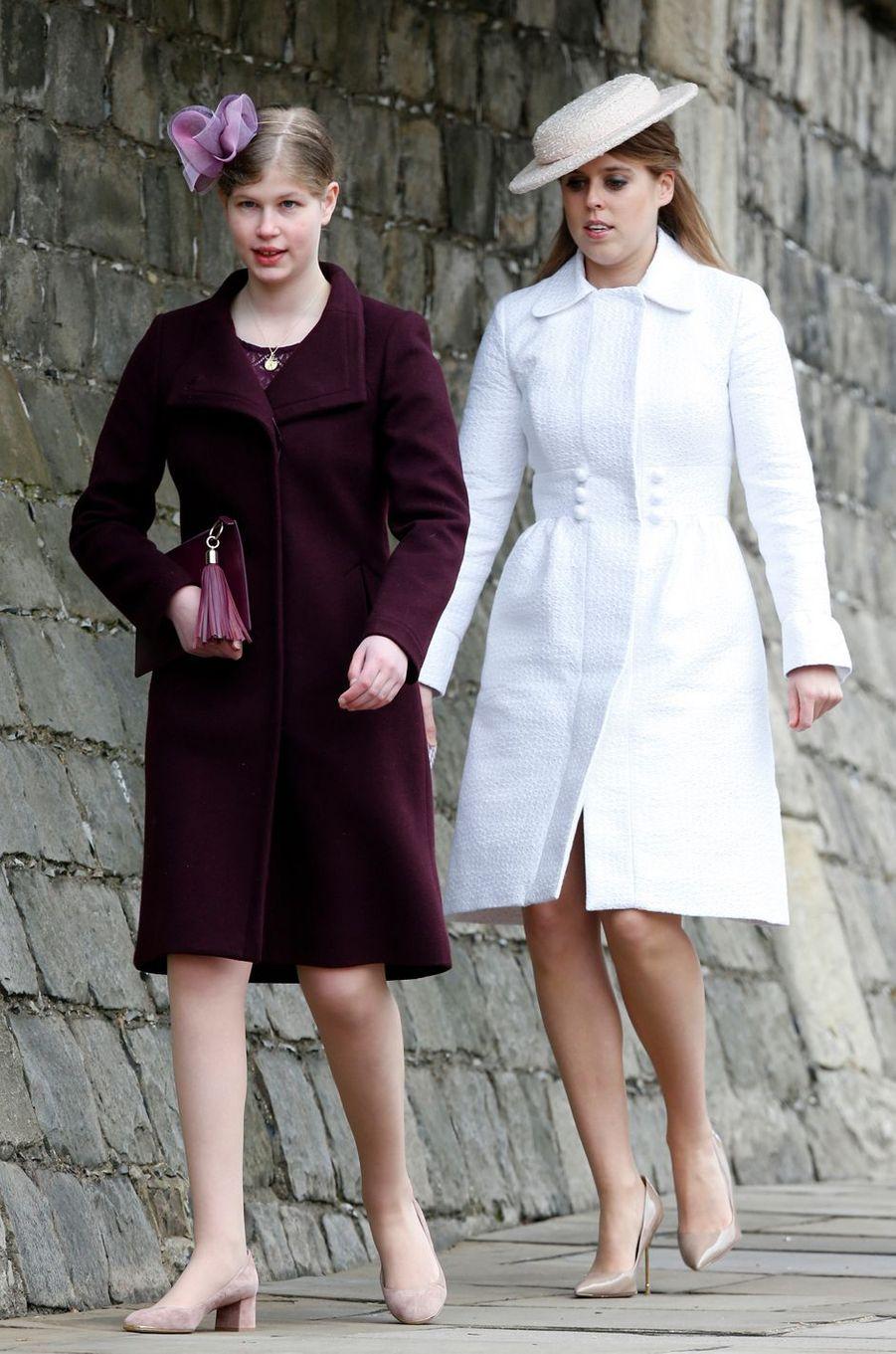 Lady Louise Windsor et la princesse Beatrice d'York à Windsor, le 1er avril 2018