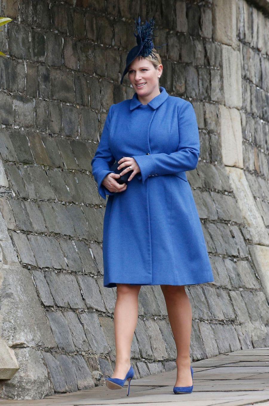 Zara Phillips, enceinte, en Séraphine, à Windsor le 1er avril 2018