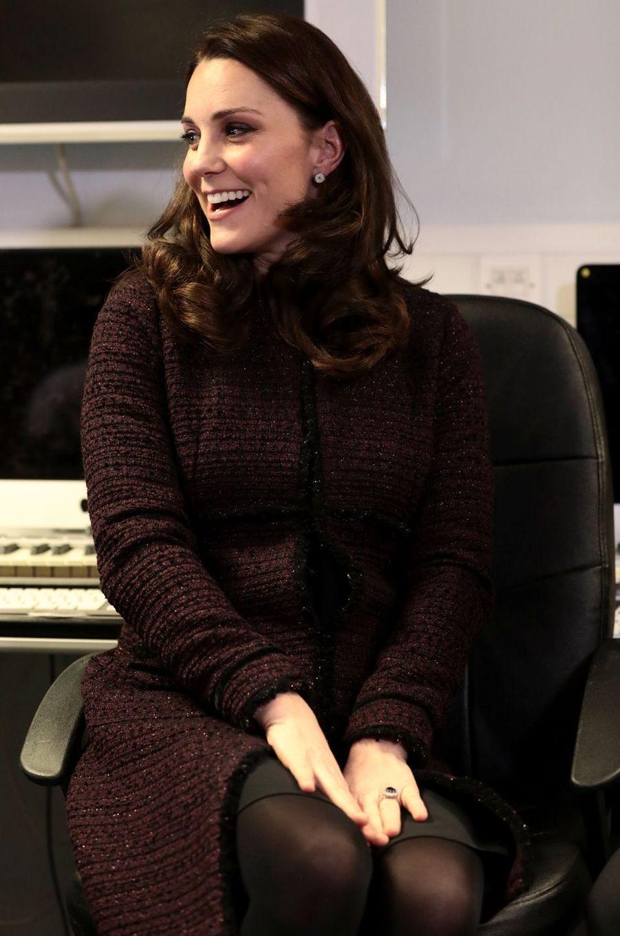 La duchesse de Cambridge, dans un manteau Séraphine à Londres, le 12 décembre 2017