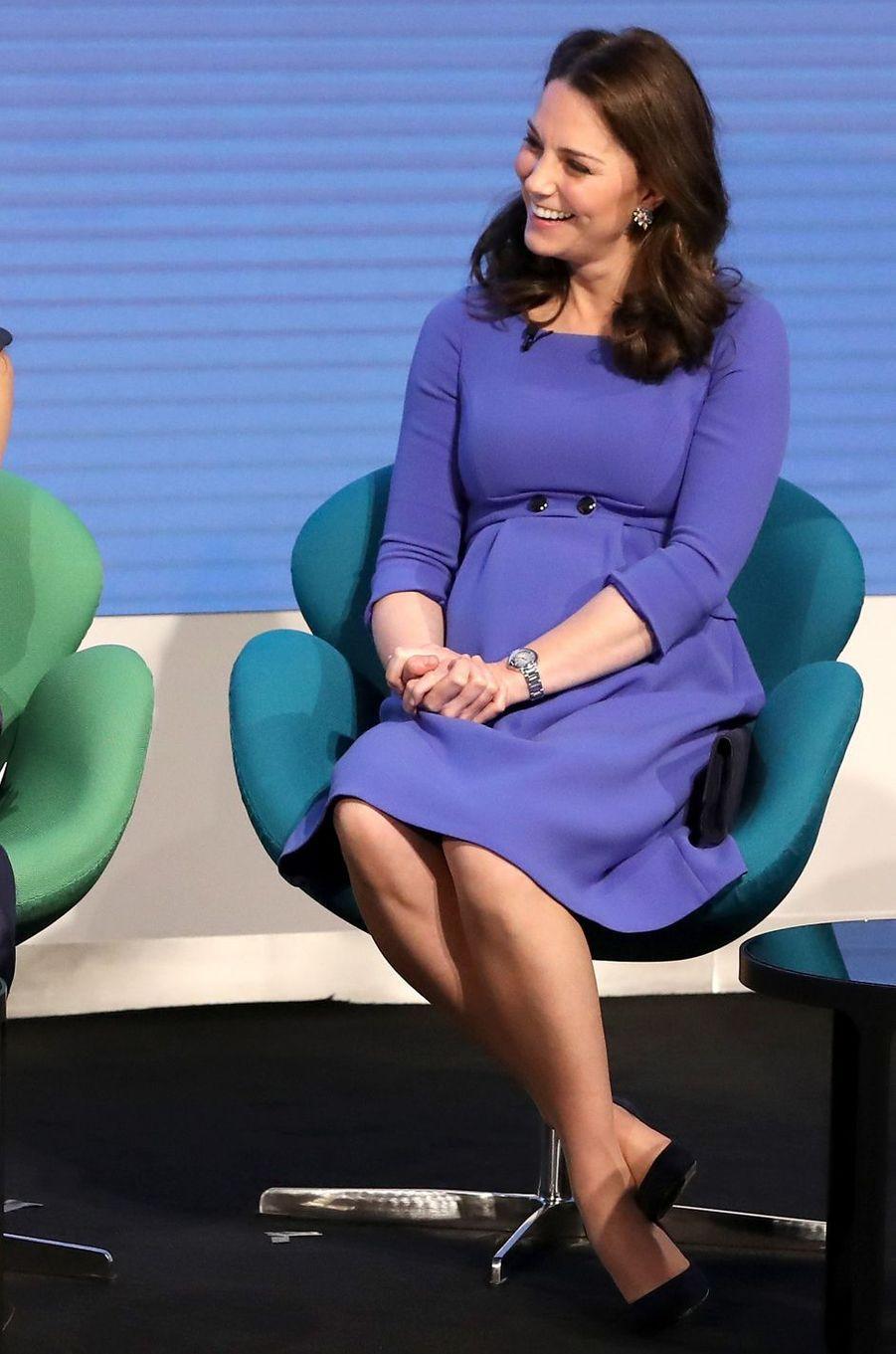 La duchesse de Cambridge, dans une robe Séraphine à Londres, le 28 février 2018