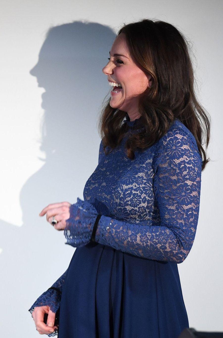 La duchesse de Cambridge, dans une robe Séraphine à Londres, le 7 mars 2018