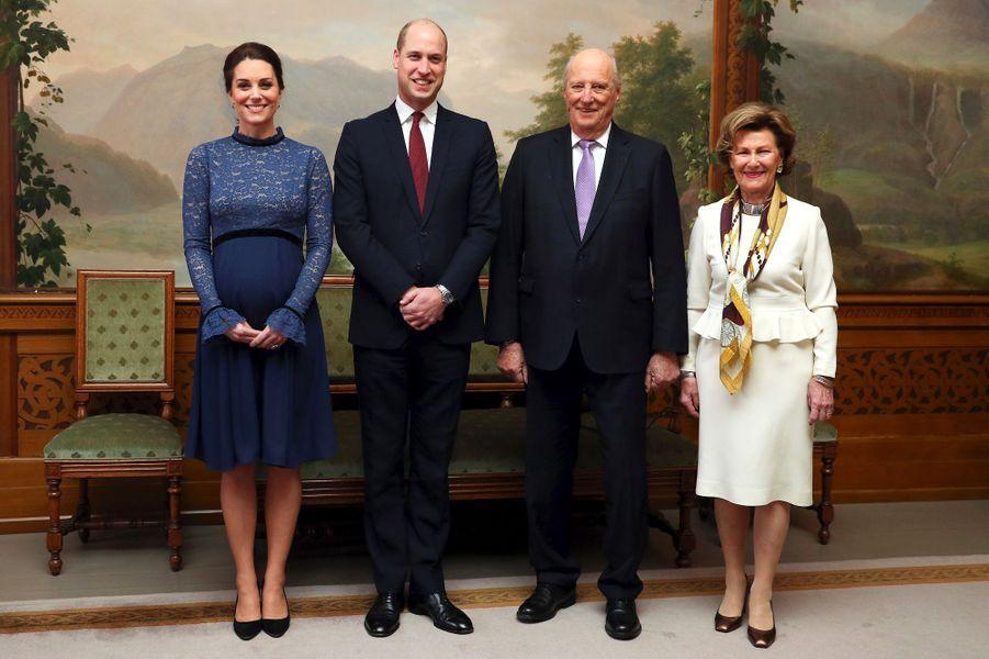 La duchesse de Cambridge, dans une nouvelle robe Séraphine à Oslo, le 1er février 2018