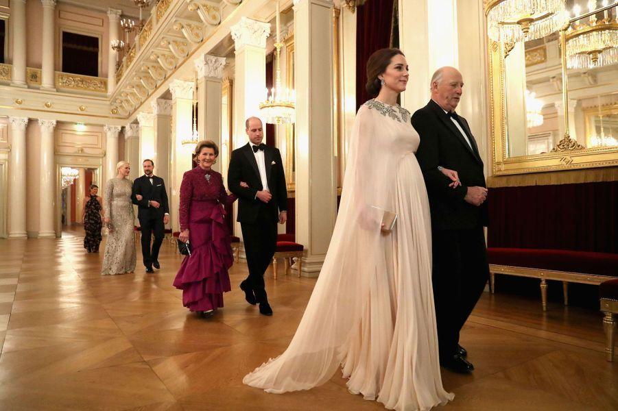 La duchesse Catherine de Cambridge et le prince William avec la famille royale de Norvège à Oslo, le 1er février 2018