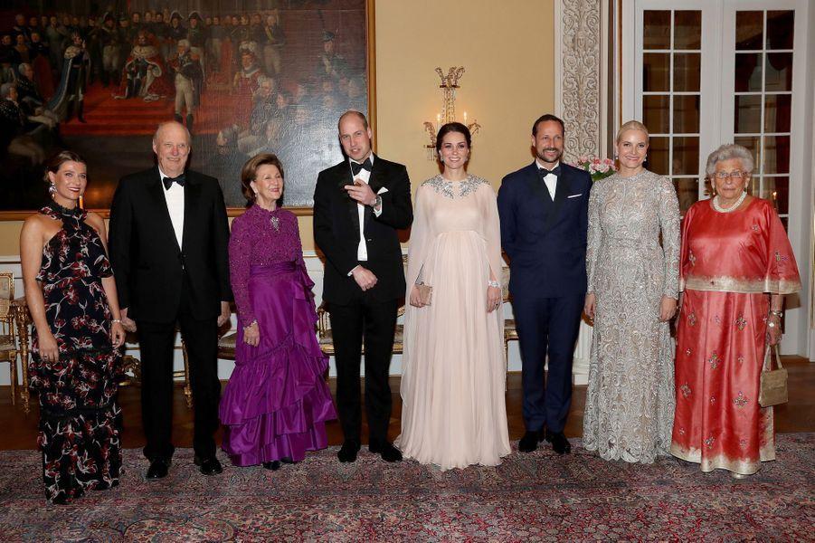 La duchesse Catherine de Cambridge et le prince William en compagnie de la famille royale de Norvège à Oslo, le 1er février 2018