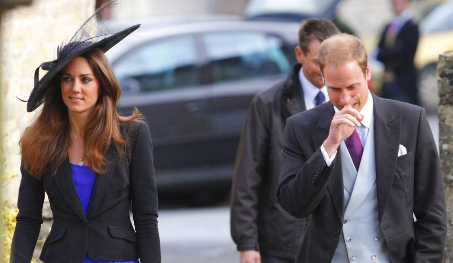 Le Prince William semble soucieux... Songe-t-il à demander Kate en mariage ?