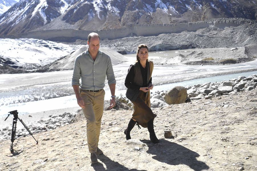 Kate Middleton et le prince William visitent unglacier du parc national de la vallée de Broghil, dans le nord du district de Chitral, au Pakistan, le 16 octobre 2019