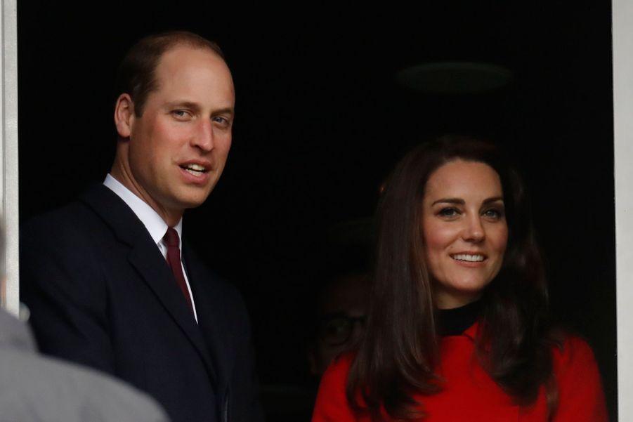 Kate Middleton Et Le Prince William Au Stade De France Pour Le Match De Rugby France Pays De Galles 1