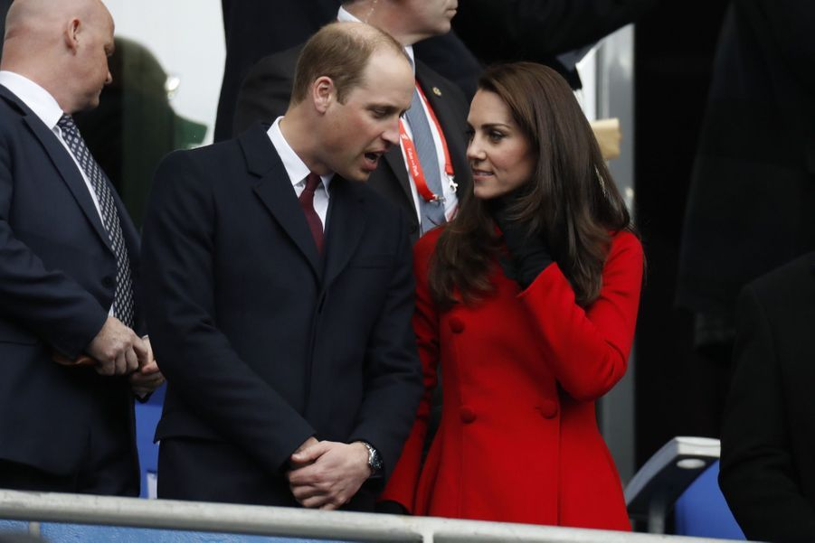 Kate Middleton Et Le Prince William Au Stade De France Pour Le Match De Rugby France Pays De Galles 7