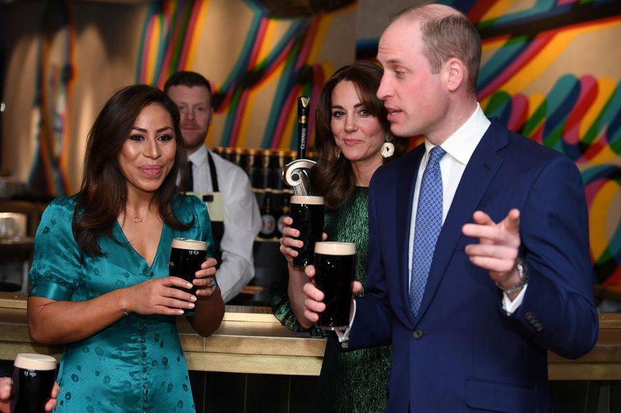 Kate Middleton et le prince William lorsd'une soirée organisée dans les entrepôts de la marque de bière Guinness à Dublin le 3 mars 2020.