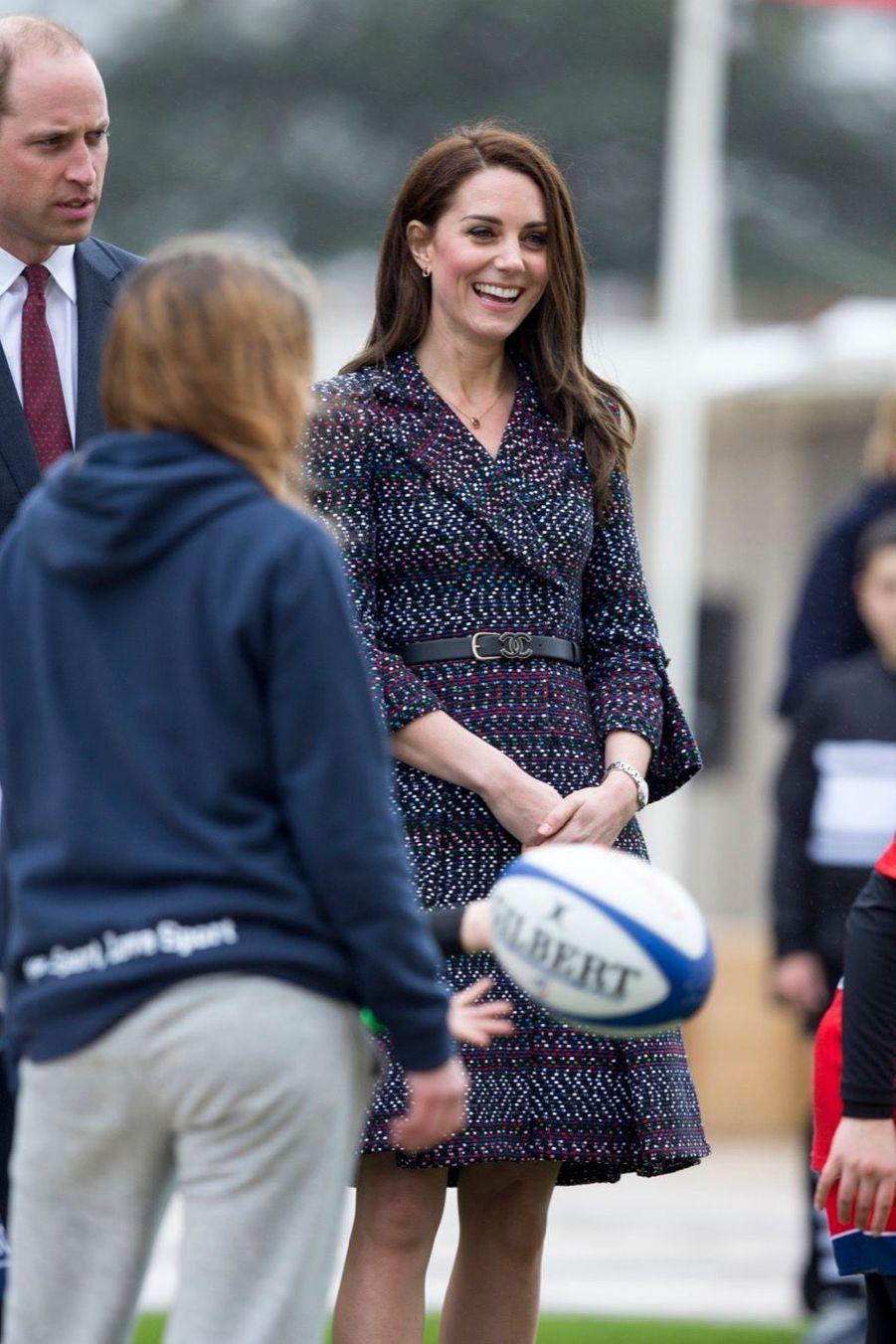 Kate Middleton Et Le Prince William Jouent Au Rugby Sur L'esplanade Du Trocadéro 11