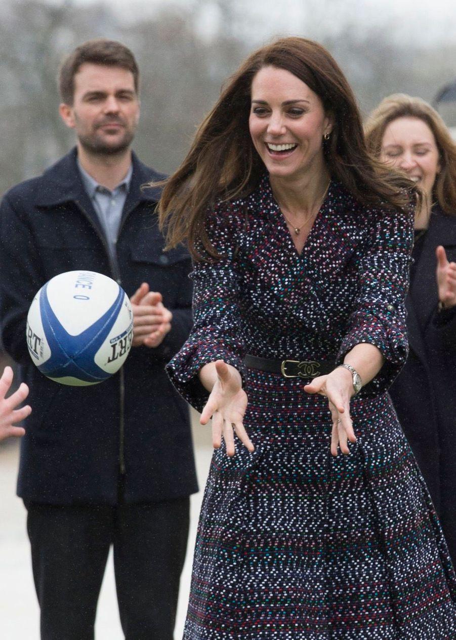Kate Middleton Et Le Prince William Jouent Au Rugby Sur L'esplanade Du Trocadéro 24