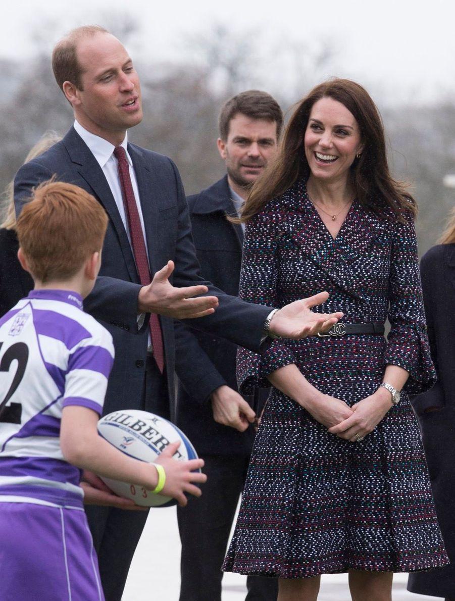 Kate Middleton Et Le Prince William Jouent Au Rugby Sur L'esplanade Du Trocadéro 26