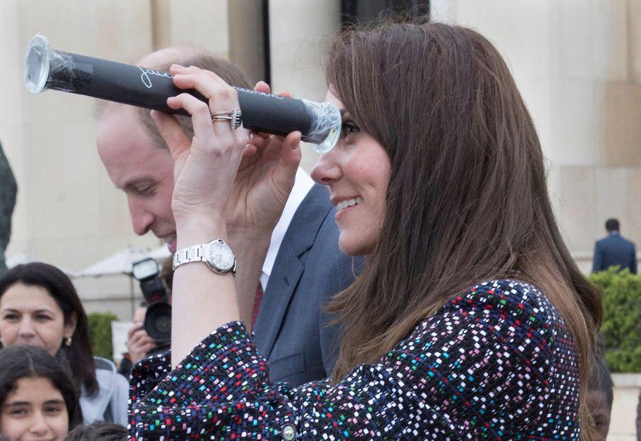 Kate Middleton Et Le Prince William Jouent Au Rugby Sur L'esplanade Du Trocadéro 27