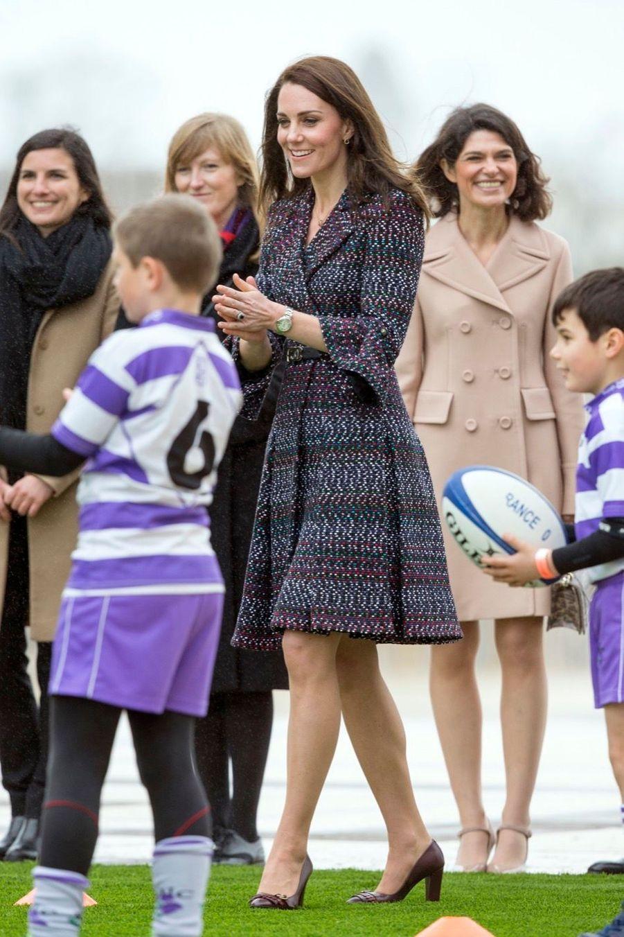 Kate Middleton Et Le Prince William Jouent Au Rugby Sur L'esplanade Du Trocadéro 3
