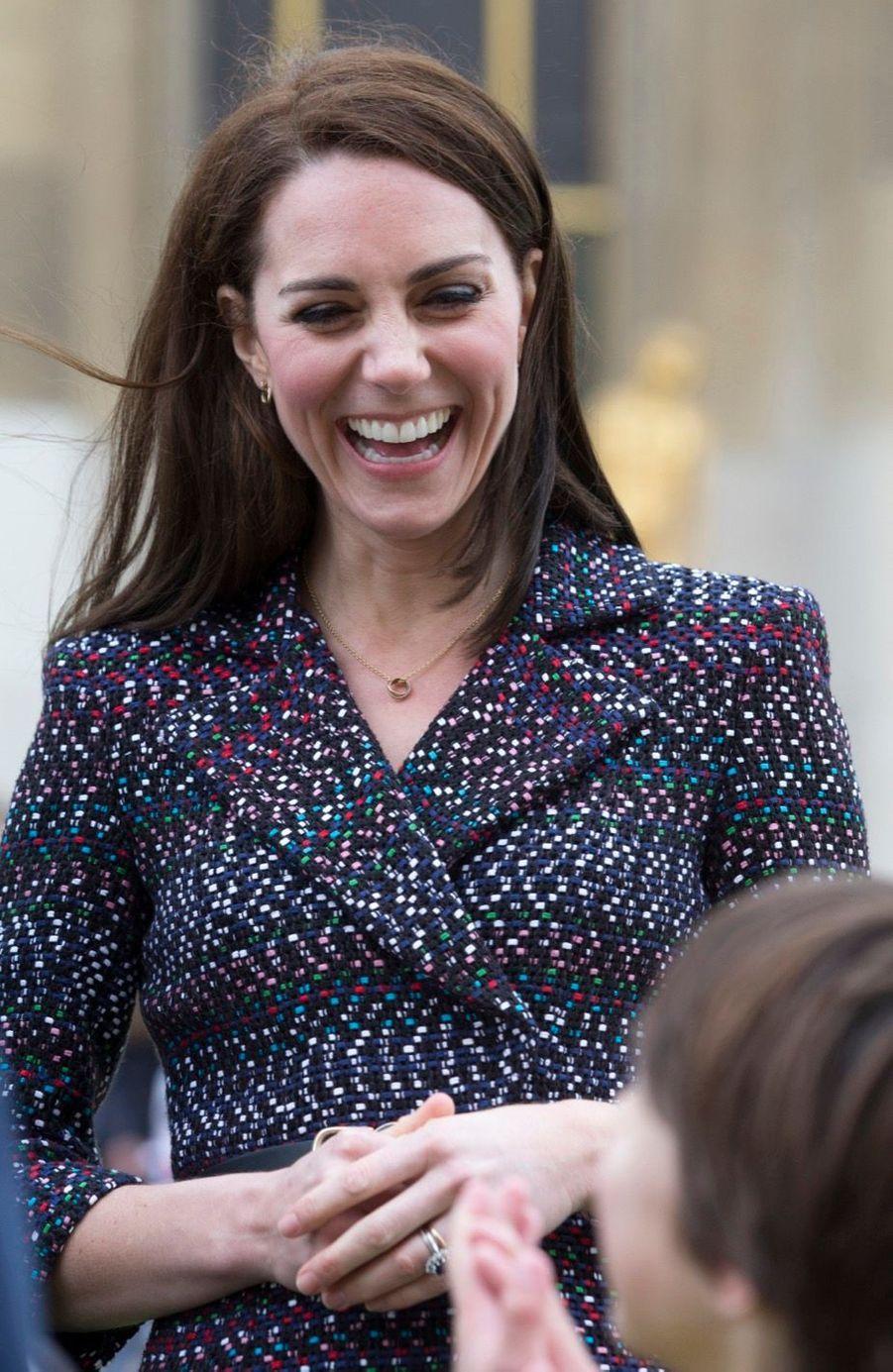 Kate Middleton Et Le Prince William Jouent Au Rugby Sur L'esplanade Du Trocadéro 30
