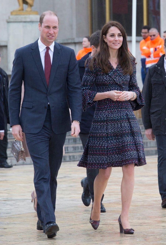 Kate Middleton Et Le Prince William Jouent Au Rugby Sur L'esplanade Du Trocadéro 31