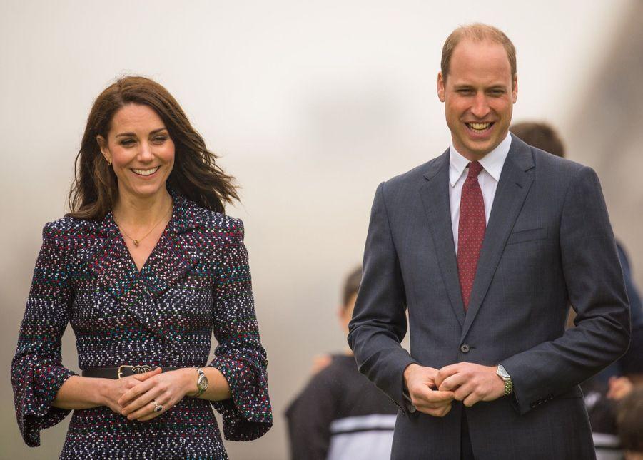 Kate Middleton Et Le Prince William Jouent Au Rugby Sur L'esplanade Du Trocadéro 37