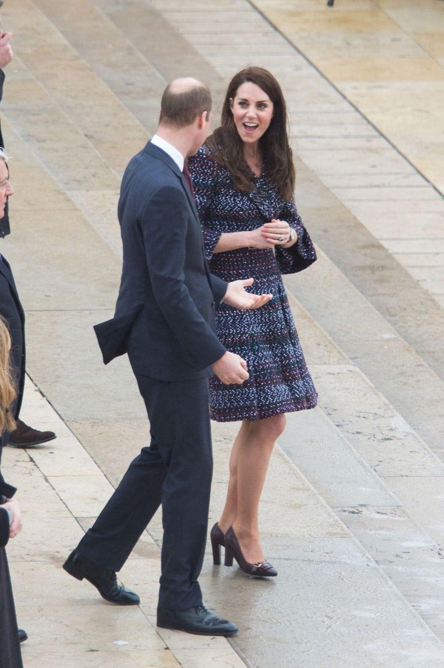 Kate Middleton Et Le Prince William Jouent Au Rugby Sur L'esplanade Du Trocadéro 45