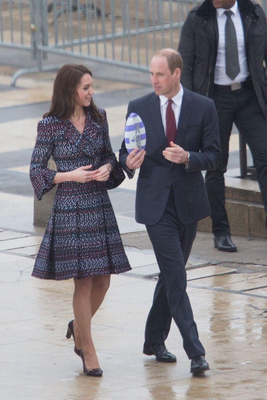 Kate Middleton Et Le Prince William Jouent Au Rugby Sur L'esplanade Du Trocadéro 46