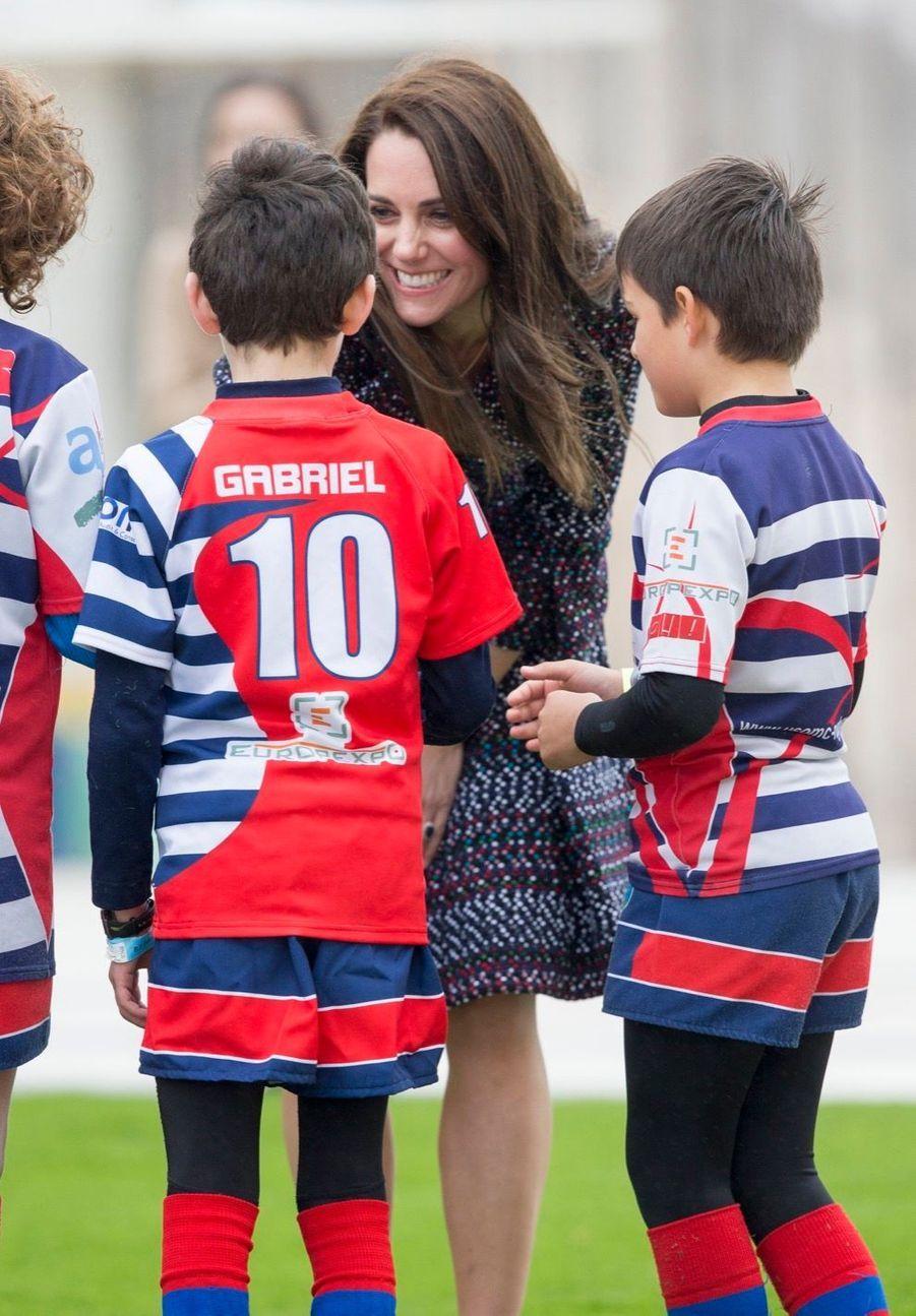 Kate Middleton Et Le Prince William Jouent Au Rugby Sur L'esplanade Du Trocadéro 5