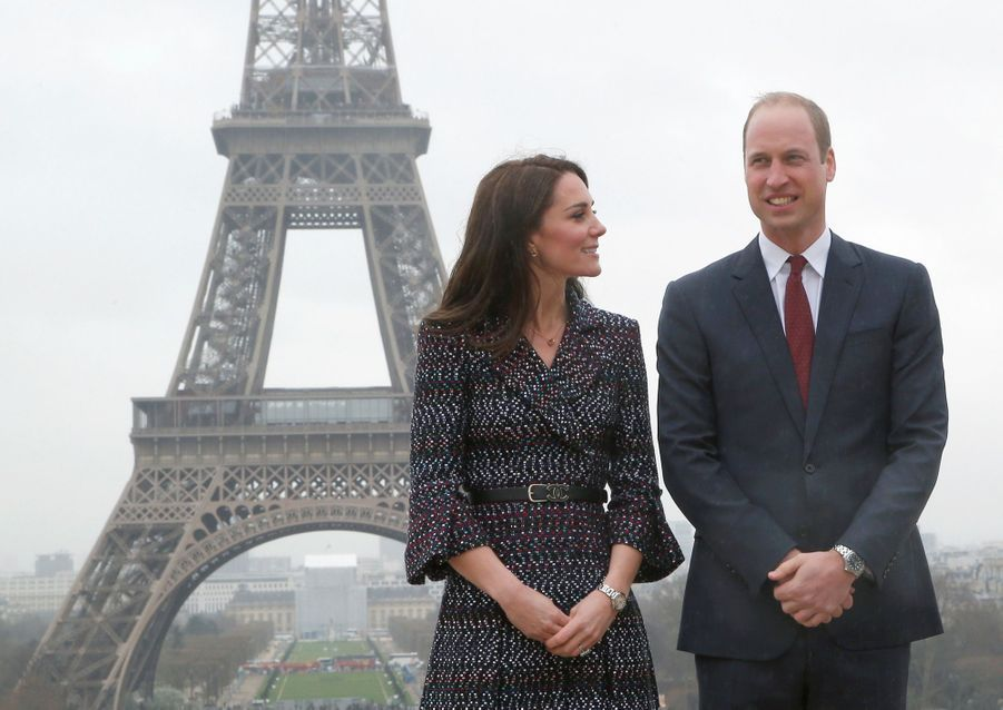 Kate Middleton Et Le Prince William Jouent Au Rugby Sur L'esplanade Du Trocadéro 54