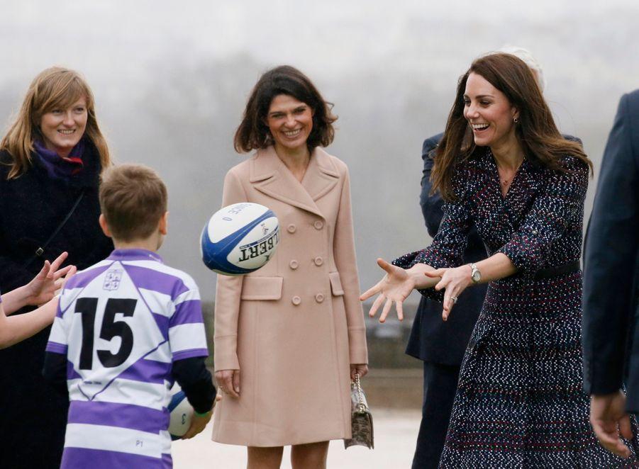 Kate Middleton Et Le Prince William Jouent Au Rugby Sur L'esplanade Du Trocadéro 62