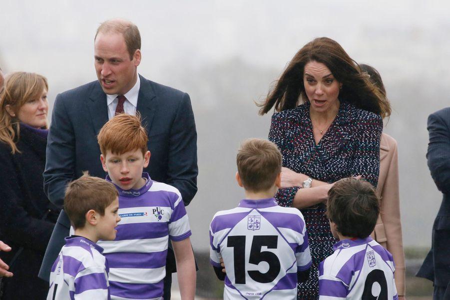 Kate Middleton Et Le Prince William Jouent Au Rugby Sur L'esplanade Du Trocadéro 63