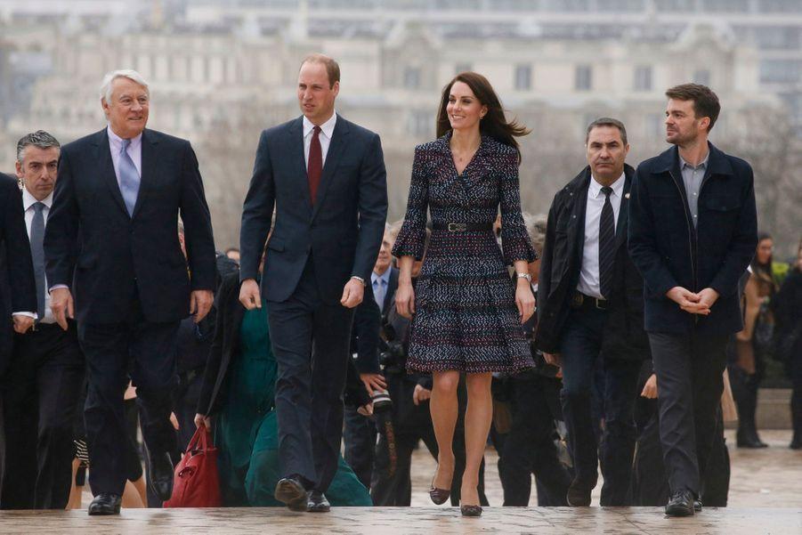 Kate Middleton Et Le Prince William Jouent Au Rugby Sur L'esplanade Du Trocadéro 65