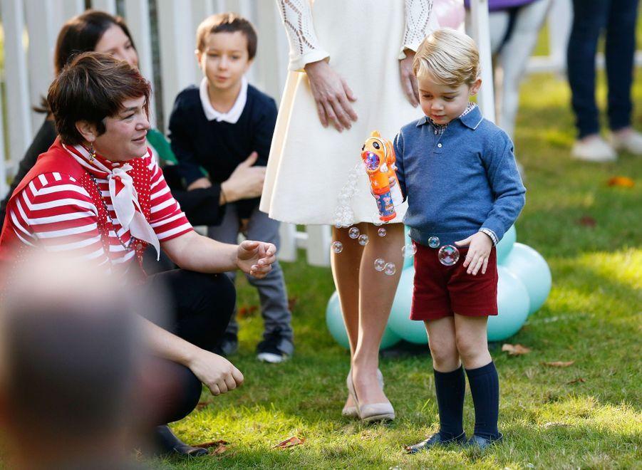 Kate Middleton et le prince George, à Victoria au Canada